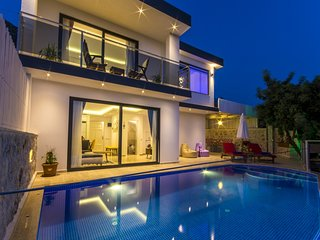 Luxury Honeymoon Villa with Heated Indoor Pool, Turkish Bath, Sauna & Sea Views
