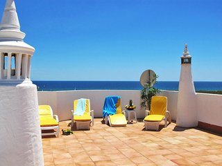 2 bedroom Villa in Meia Praia, Faro, Portugal : ref 5641690