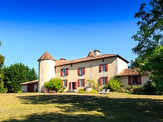 7 bedroom Villa in Coulounieix-Chamiers, Nouvelle-Aquitaine, France : ref 562124