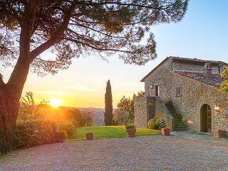 Castellinuzza Villa Sleeps 13 with Pool and Air Con - 5621392
