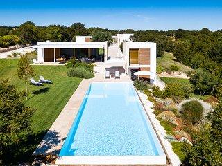 5 bedroom Villa in Santoro, Apulia, Italy : ref 5621881