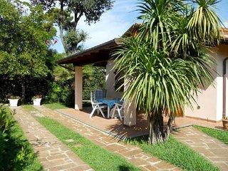 2 bedroom Villa in Marina di Pietrasanta, Tuscany, Italy : ref 5655609