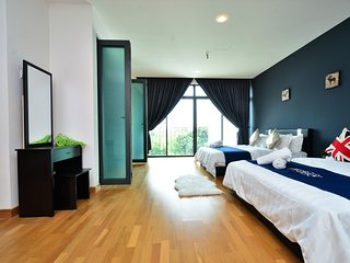 10 Rooms Villa 22 pax