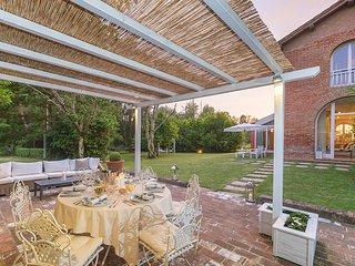 3 bedroom Villa in Barbialla, Tuscany, Italy : ref 5621398