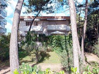 3 bedroom Villa in Lignano Sabbiadoro, Friuli Venezia Giulia, Italy : ref 568084
