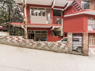 Vibrant accommodation for 3, close to Dalai Lama Temple