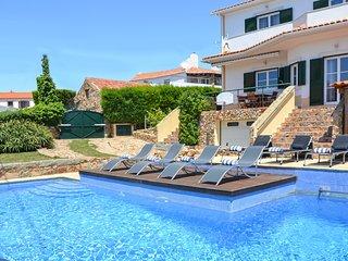 6 bedroom Villa in Biscaia, Lisbon, Portugal : ref 5681228