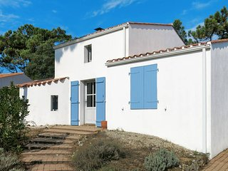 4 bedroom Villa in La Terriere, Pays de la Loire, France : ref 5681344