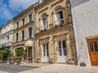 Fleur de Lys House a Stylish bed and breakfast in the centre of Lauzun