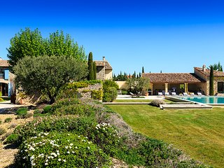 6 bedroom Villa in Roaix, Provence-Alpes-Côte d'Azur, France : ref 5621207