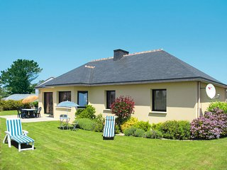 3 bedroom Villa in Kerlouan, Brittany, France : ref 5650417