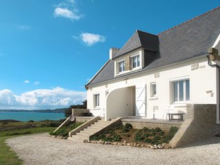 2 bedroom Villa in Raguénez, Brittany, France : ref 5652948