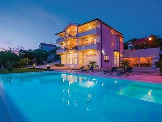 6 bedroom Villa in Dipici, Splitsko-Dalmatinska Zupanija, Croatia : ref 5582001