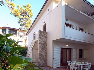2 bedroom Villa in Lignano Sabbiadoro, Friuli Venezia Giulia, Italy : ref 568084