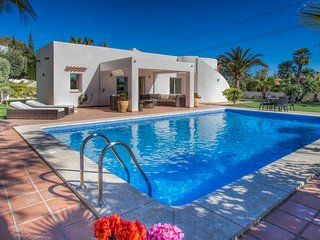3 bedroom Villa with Pool, Air Con and WiFi - 5681232