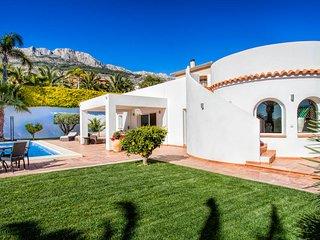 Altea la Vella Villa Sleeps 6 with Pool and Air Con - 5681232