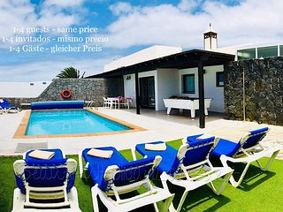 Villa Neptuno mit Privatpool, Sat-TV, Wifi, Billard & Grill in Playa Blanca
