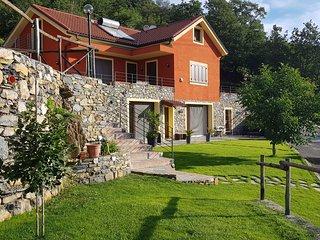 appartamento in Liguria nel verde della campagna con vista sul mare di Alassio