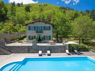 3 bedroom Villa in Camporgiano, Tuscany, Italy : ref 5680632