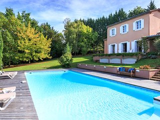 5 bedroom Villa in Allez-et-Cazeneuve, Nouvelle-Aquitaine, France : ref 5621241