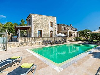 6 bedroom Villa in Port d'Alcudia, Balearic Islands, Spain - 5679276