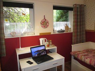 Single Room Modern: Willow Cottage Donegal Bed & Breakfast
