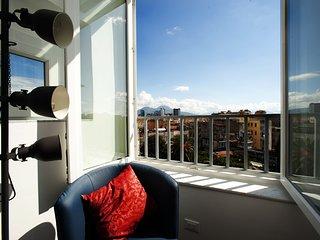 Appartamento a Napoli, nel verde, con vista sul Vesuvio