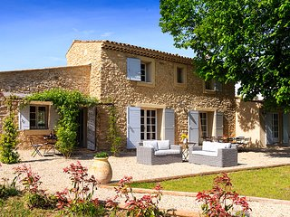4 bedroom Villa in Peypin-d'Aigues, Provence-Alpes-Cote d'Azur, France : ref 562