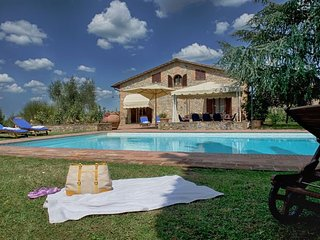 6 bedroom Villa in Le Tolfe, Tuscany, Italy : ref 5218525