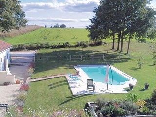 2 bedroom Villa in Asnois, Nouvelle-Aquitaine, France : ref 5547120