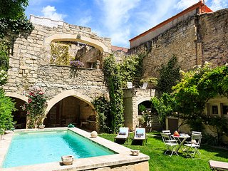 3 bedroom Villa in Tarascon, Provence-Alpes-Cote d'Azur, France : ref 5621214