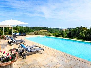 5 bedroom Villa in Le Sud, Nouvelle-Aquitaine, France : ref 5621228