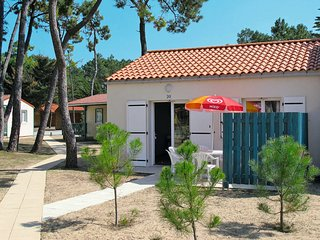 2 bedroom Apartment in Les Marines, Pays de la Loire, France : ref 5642272