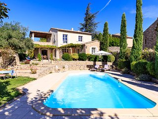 4 bedroom Villa in Cabrieres-d'Avignon, Provence-Alpes-Cote d'Azur, France : ref