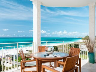 West Bay Club Oceanfront Luxury 4 Bedroom Suite
