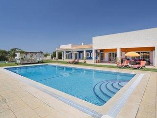 4 bedroom Villa in Montes de Alvor, Faro, Portugal : ref 5680765
