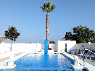 Private Luxury Holiday Villa & Pool,located between La Marina & San Fulgencio.