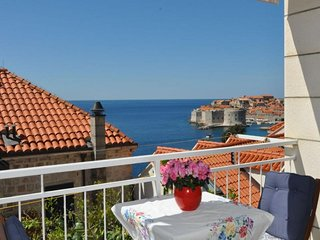 Apartment Sessa - One Bedroom Apartment with Terrace and Sea View