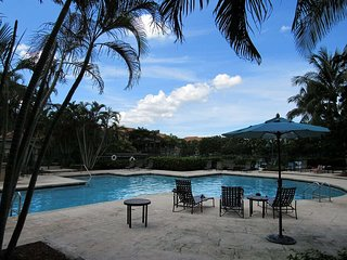 Beautiful Lakeview Apt in Weston - Pool, Tennis, Gym 5706