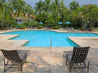Gorgeous!  Lakeview, Pool, Tennis, Gym