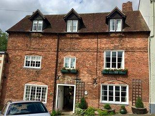 'Quintessential' Ludlow Cottage