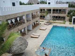 Bwaga Moyo Residence is 5 minutes walk from the beach.