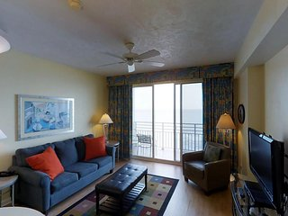 12th-floor condo in 5-star oceanfront resort w/ pool/hot tub - snowbirds welcome
