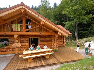 912. Superbe chalet rondins 10/12p, 140m2, 4ch