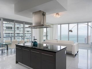 Spectacular 2BR in W Brickell by FlashStay