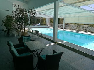 Villa d'architecte avec grande piscine