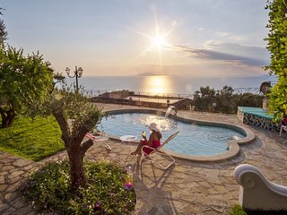 Private VILLA MARIKA for 14 people with swimming pool and stunning sea view
