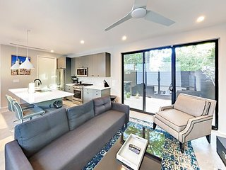 New Modern 2BR in Heart of Bouldin - 2-Minute Walk to South 1st & Congress