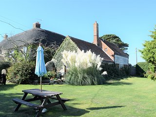 The Brew House Grade II listed character cottage, country retreat sleeps 4