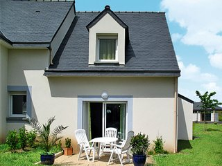 2 bedroom Villa in Pléneuf-Val-André, Brittany, France : ref 5650427